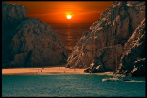 Mexico-Sunset-at-Beach-in-Cabo-San-Lucas